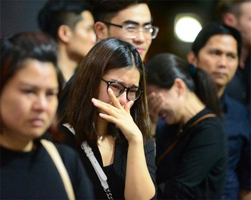 Sao Việt oà khóc nức nở tiễn đưa NSƯT Quang Lý - 2