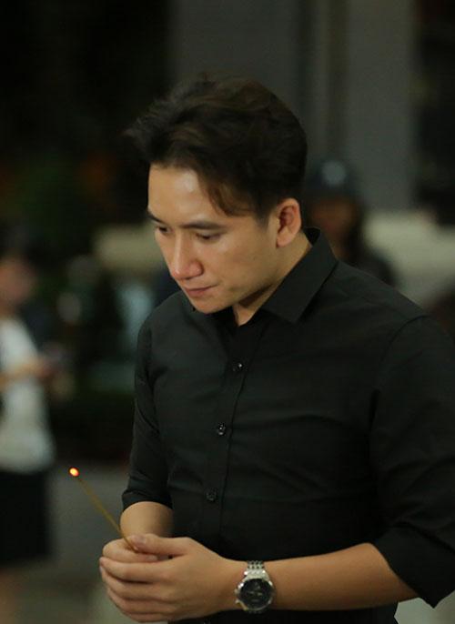 Sao Việt oà khóc nức nở tiễn đưa NSƯT Quang Lý - 6