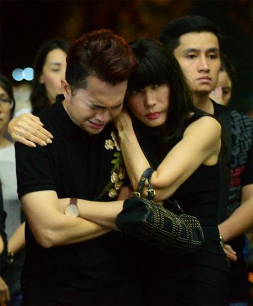 Sao Việt oà khóc nức nở tiễn đưa NSƯT Quang Lý - 3