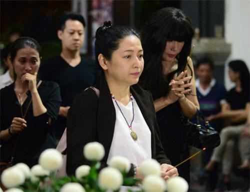 Sao Việt oà khóc nức nở tiễn đưa NSƯT Quang Lý - 5