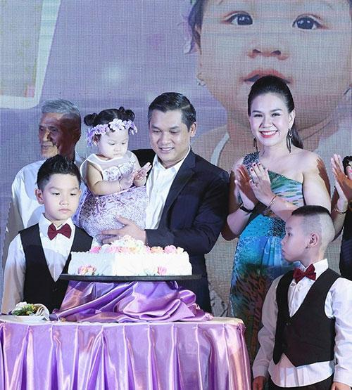 """Những bữa tiệc thôi nôi """"5 sao"""" của con sao Việt - 2"""